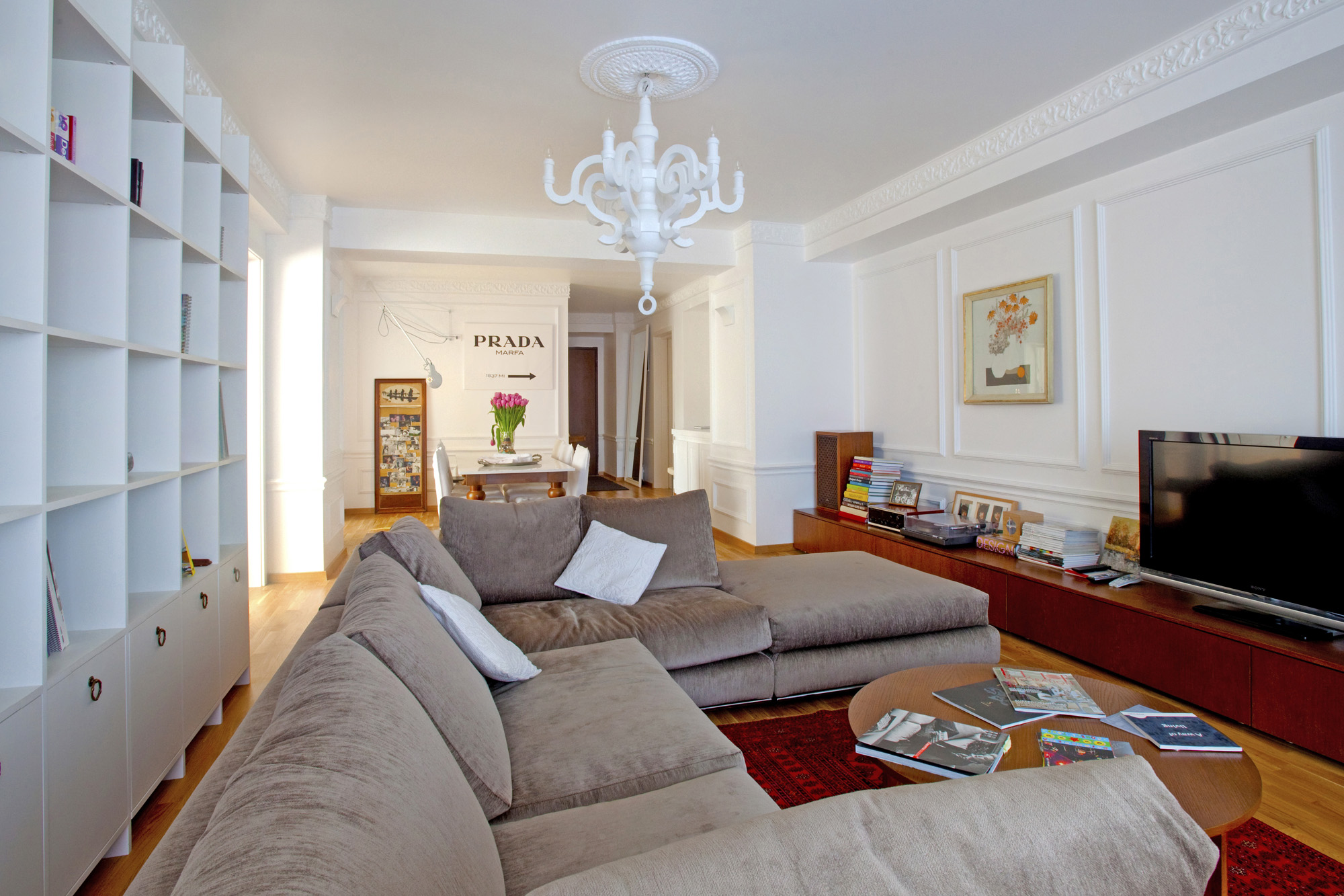 https://ahe-ro.s3.amazonaws.com/12327/apartament-elegant-cu-4-camere-si-terase-generoase-in-centrul-bucurestiului-%281%29.jpg