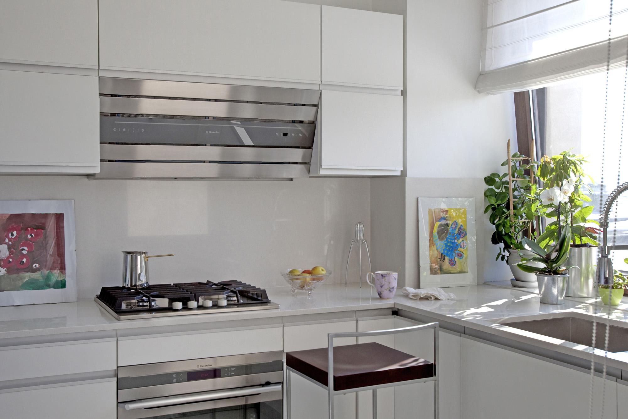 https://ahe-ro.s3.amazonaws.com/12329/apartament-elegant-cu-4-camere-si-terase-generoase-in-centrul-bucurestiului-%286%29.jpg