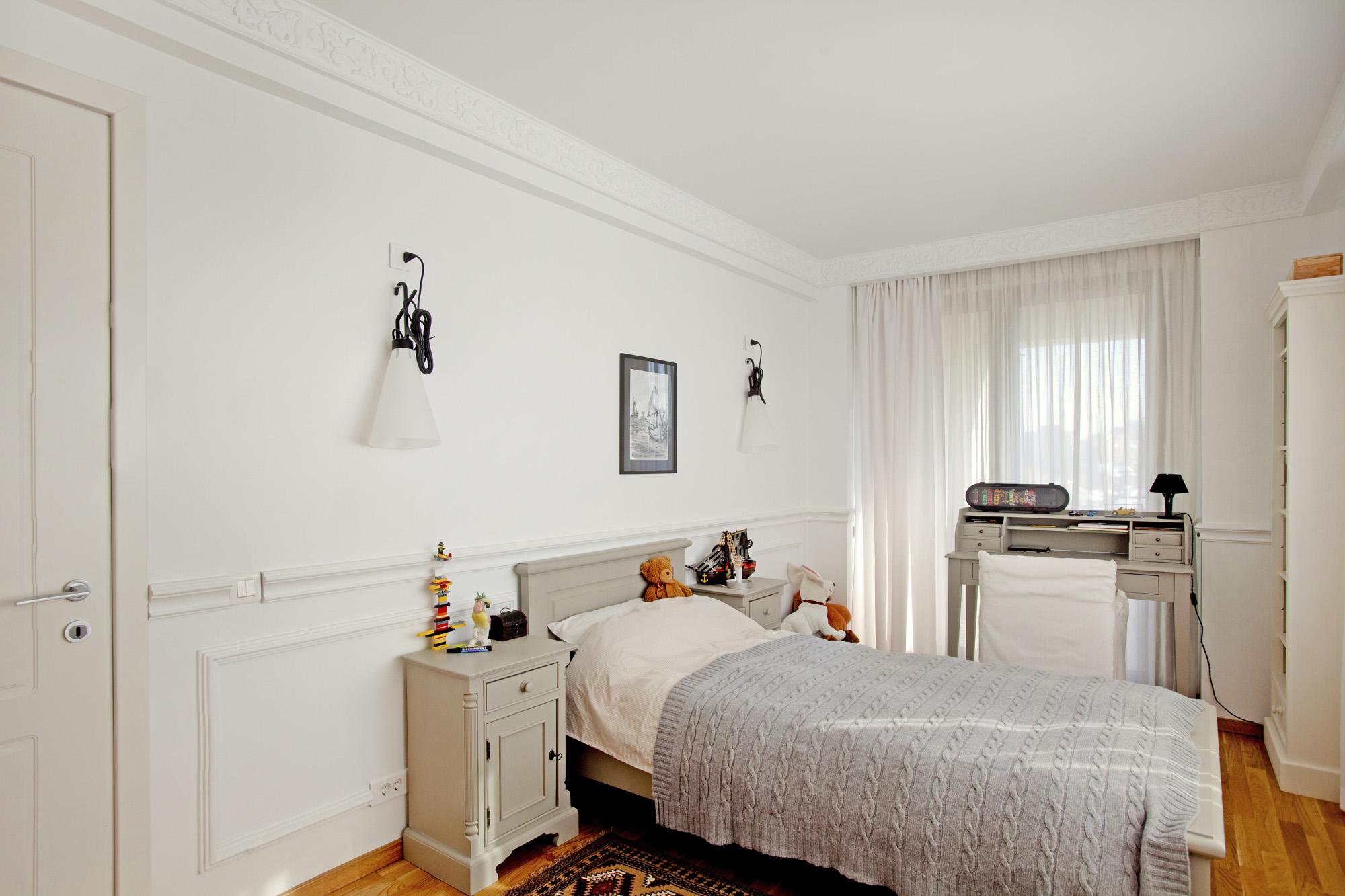 https://ahe-ro.s3.amazonaws.com/12333/apartament-elegant-cu-4-camere-si-terase-generoase-in-centrul-bucurestiului-%284%29.jpg