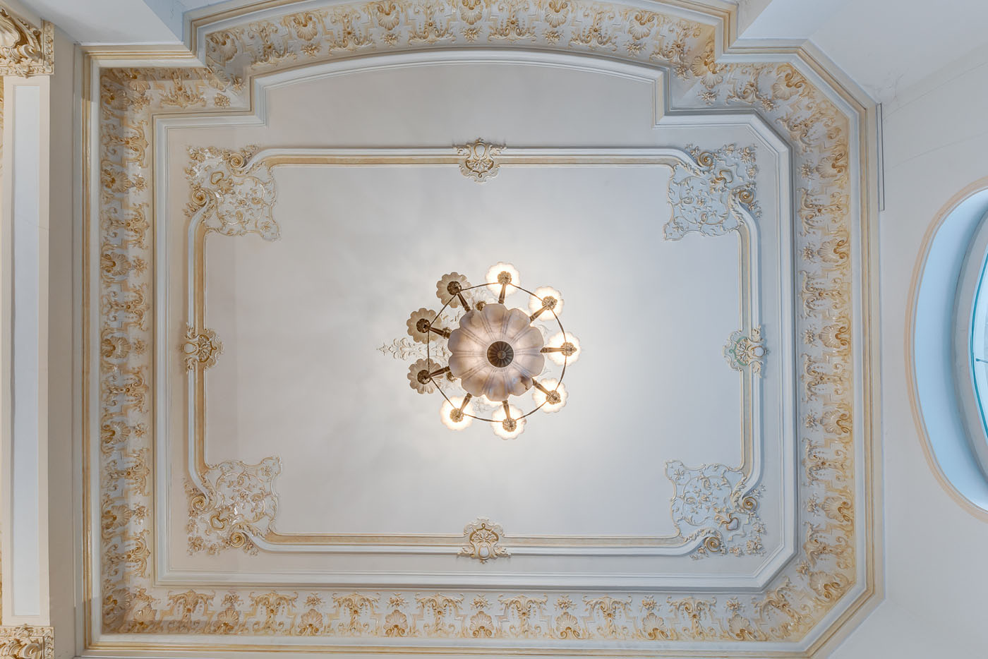 https://ahe-ro.s3.amazonaws.com/2467/vila_lascar_catargiu_20.jpg