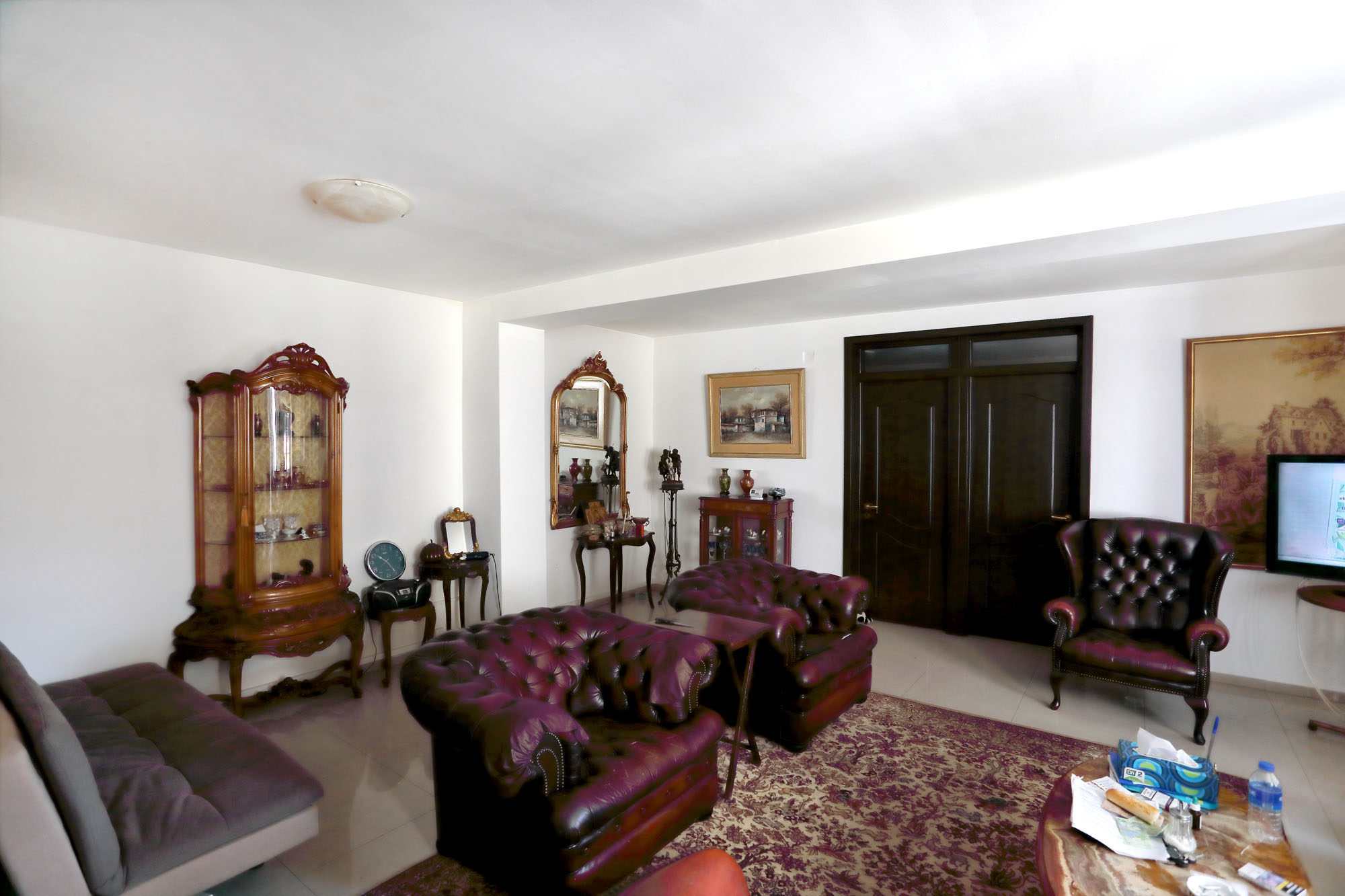 https://ahe-ro.s3.amazonaws.com/2853/casa_cu_ferestre_venetiene_9_.jpg