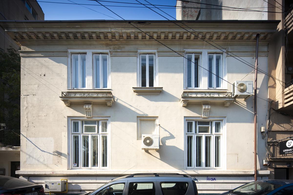 https://ahe-ro.s3.amazonaws.com/5800/vila-neoclasica-din-strada-general-praporgescu-%281%29.jpg