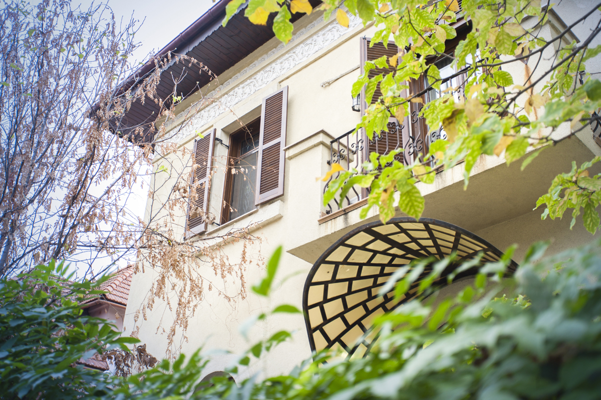 https://ahe-ro.s3.amazonaws.com/5823/Vila-de-vanzare-Cotroceni---Artmark-Historical-Estate-%284%29.jpg