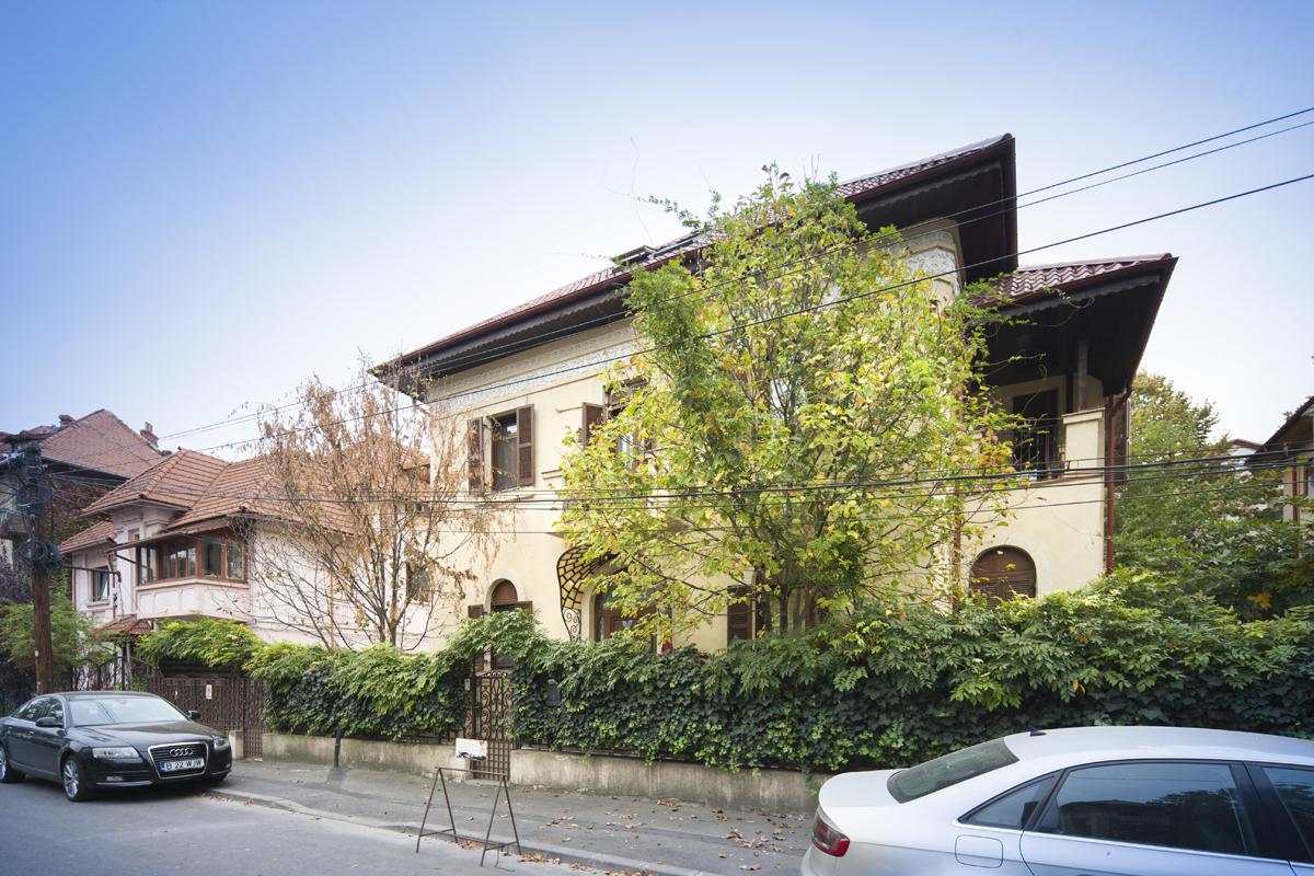https://ahe-ro.s3.amazonaws.com/5824/Vila-de-vanzare-Cotroceni---Artmark-Historical-Estate-%282%29.jpg