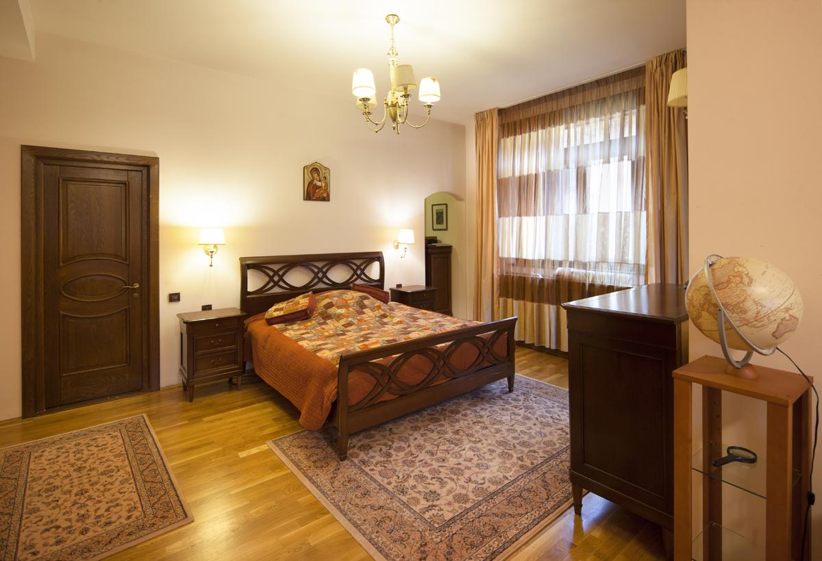 https://ahe-ro.s3.amazonaws.com/5832/Vila-de-vanzare-Cotroceni---Artmark-Historical-Estate-%2817%29.jpg