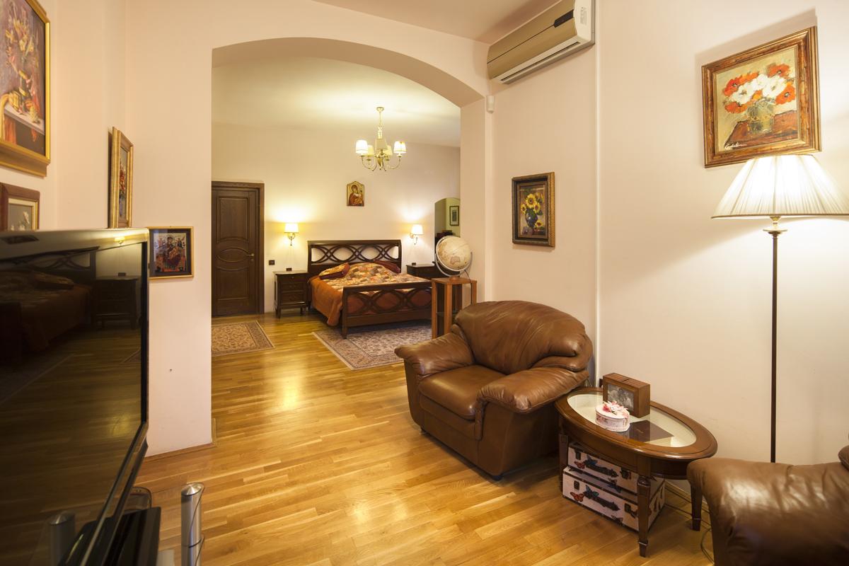 https://ahe-ro.s3.amazonaws.com/5833/Vila-de-vanzare-Cotroceni---Artmark-Historical-Estate-%2818%29.jpg