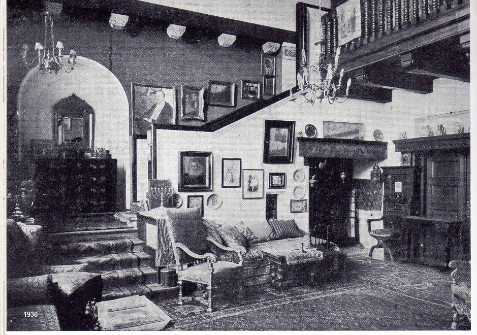 https://ahe-ro.s3.amazonaws.com/846/main_room_ground_floor_1930..jpg